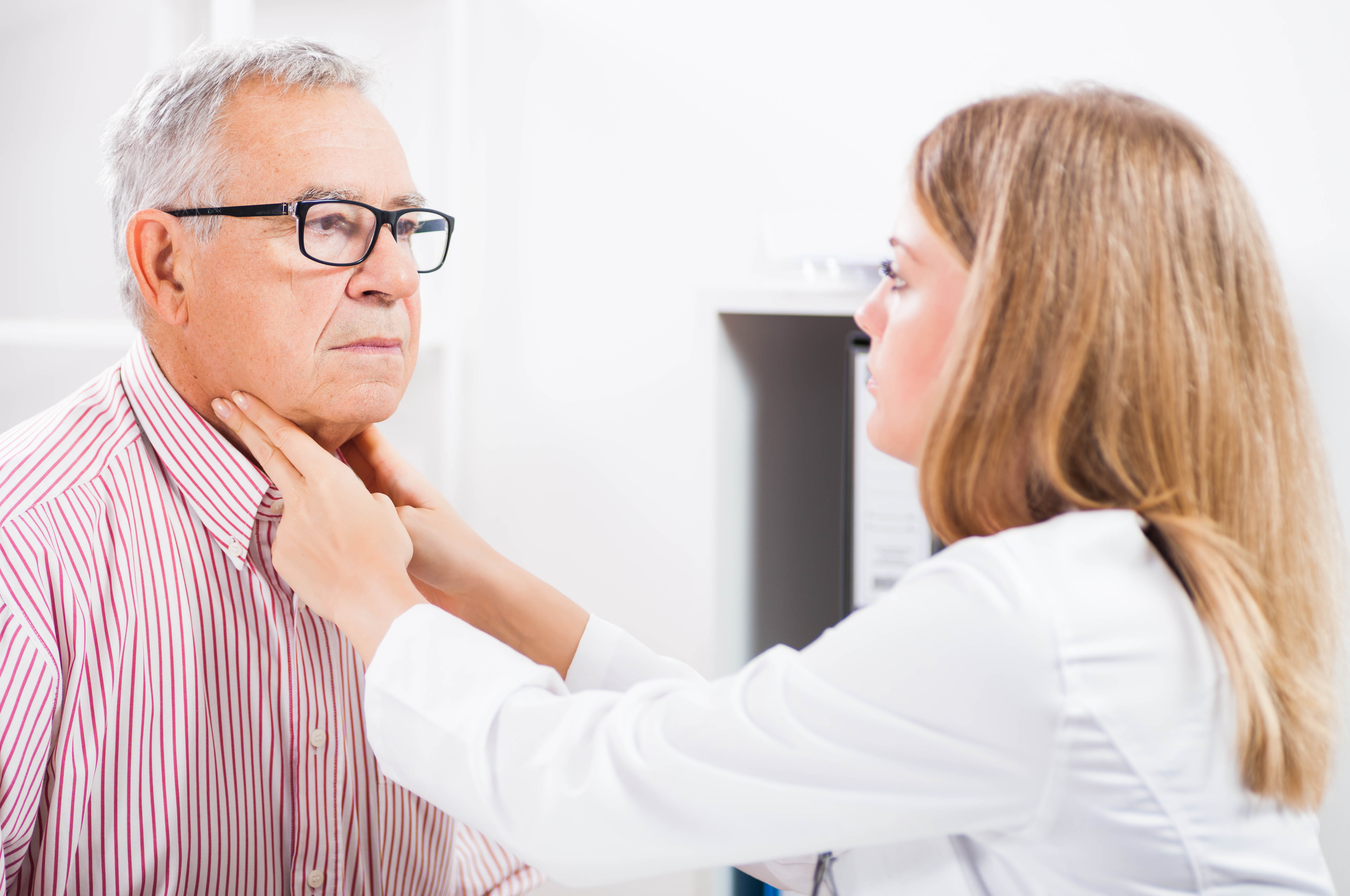 Warning Signs Of Thyroid Cancer Know Your Neck Roswell Park