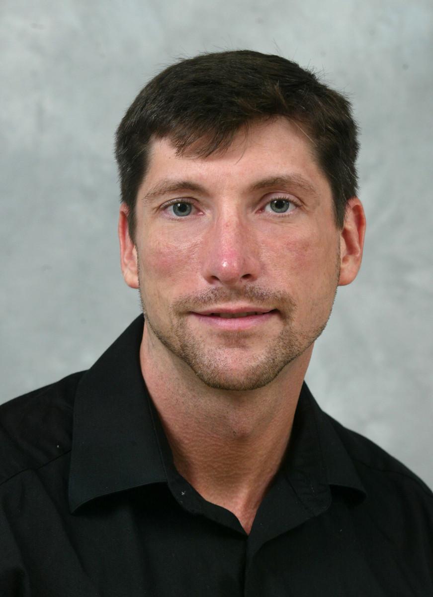 Garin Tomaszewski, MD