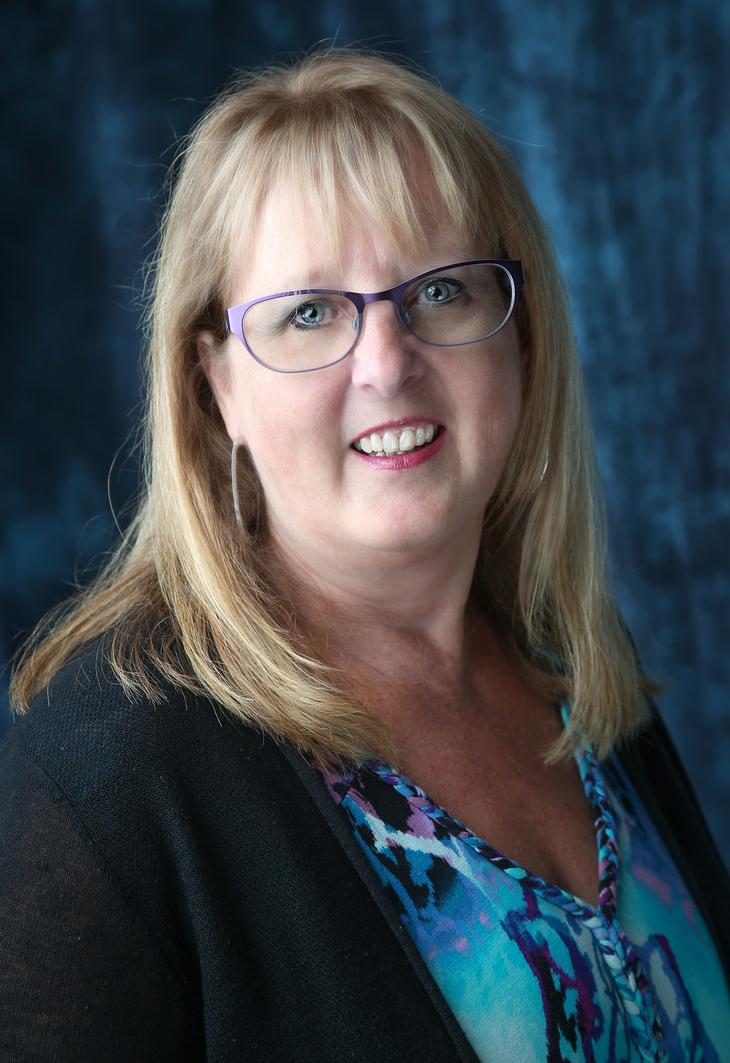 Karen Dubel