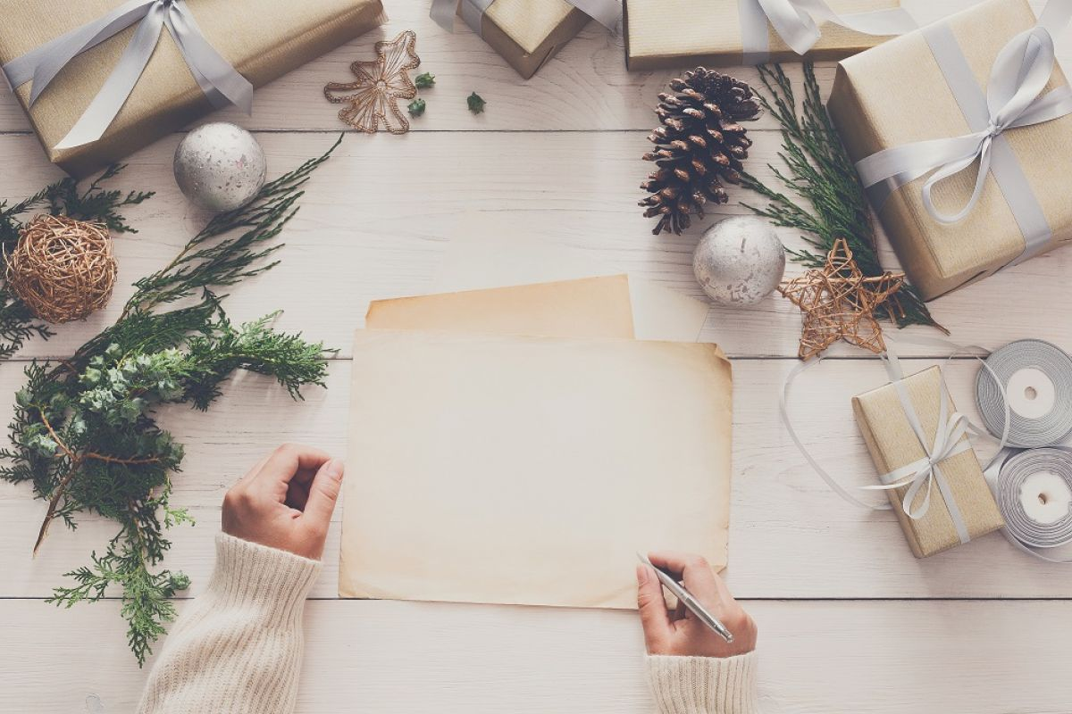 What Do You Write In A Holiday Card To Someone Facing Cancer