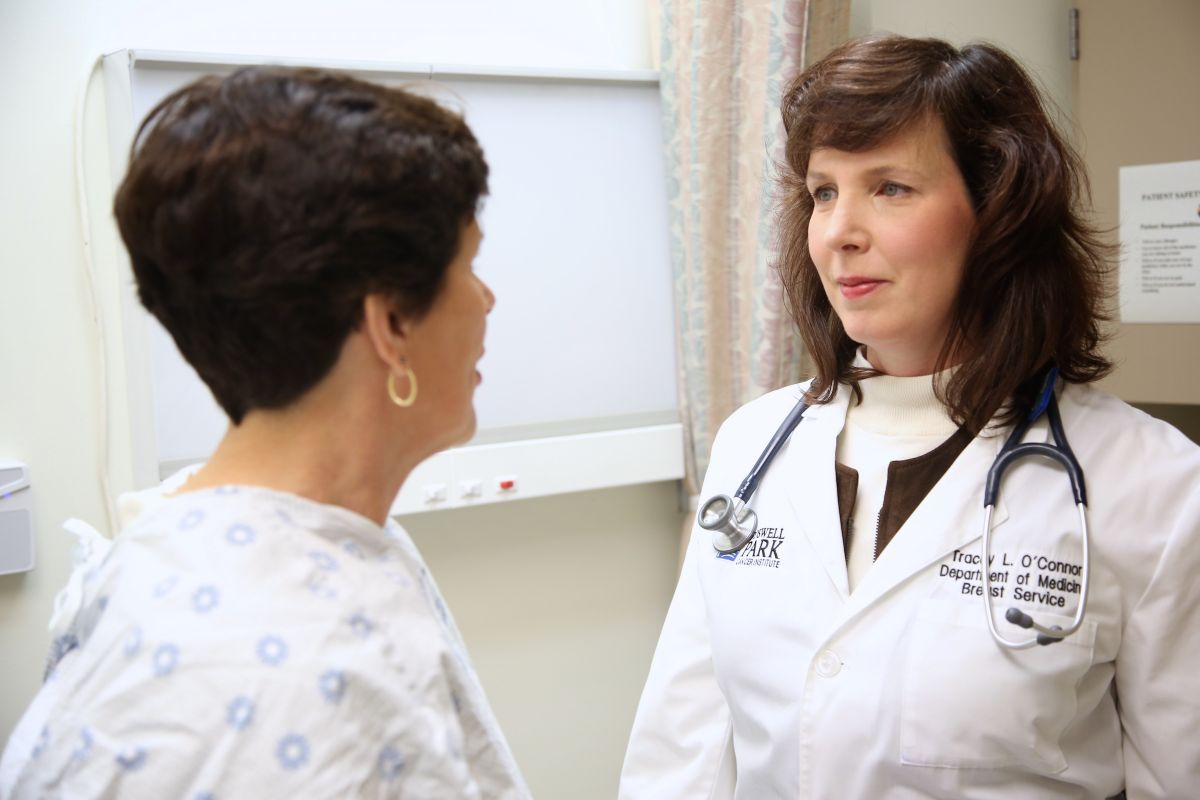 Long-Term Estrogen Therapy Does Up Breast Cancer Risk