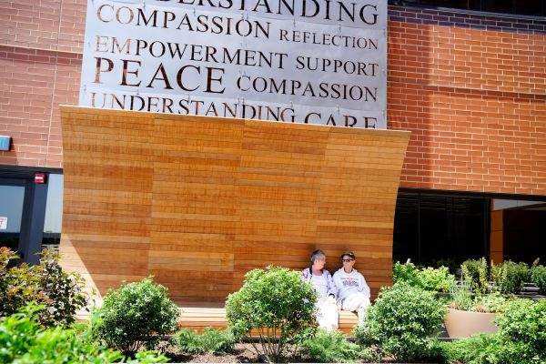 Patients enjoying the MMMB Patient Terrace at Roswell Park Comprehensive Cancer Center, which was funded by an anonymous donor.
