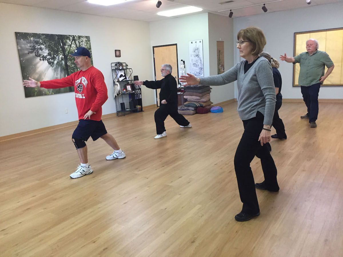 Tai Chi Qi Gong Fitness for Office - Relax Mind and Body